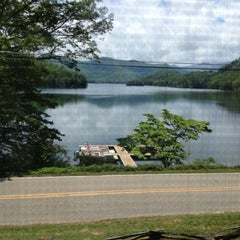 Photo taken at Blue Waters Mountain Lodge by Nikki R. on 5/4/2012