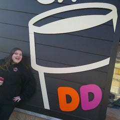 Photo taken at Dunkin' Donuts by KaylaMarie G. on 1/20/2012
