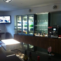 Photo taken at Qantas Club Lounge by Amanda L. on 9/13/2012