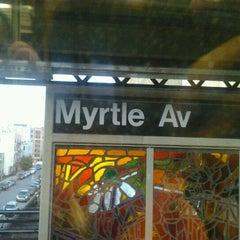 Photo taken at MTA Subway - Myrtle Ave/Broadway (J/M/Z) by Cesar Garnier on 10/4/2011