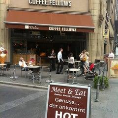 Photo taken at Coffee Fellows by Athbi ALfaeyz H. on 8/25/2011