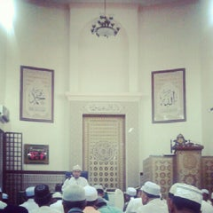 Photo taken at Masjid Al-Ridhuan by Norhalil H. on 8/12/2012