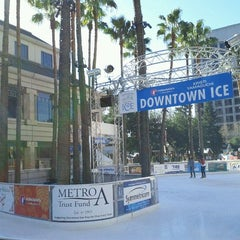 Photo taken at Downtown Ice by Vadim Z. on 12/17/2011