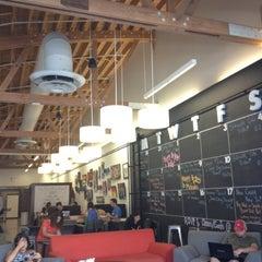Photo taken at Starbucks by Ibrahim O. on 8/5/2012