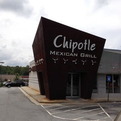 Photo taken at Chipotle Mexican Grill by John C. on 8/29/2012