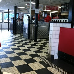 Photo taken at Al's French Frys by Janelle P. on 8/2/2011
