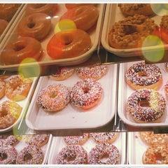 Photo taken at Krispy Kreme (คริสปี้ ครีม) by NungNing 🎀 on 11/10/2011
