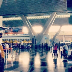 Photo taken at Ninoy Aquino International Airport (MNL) Terminal 3 by Gian Paolo C. on 4/25/2012