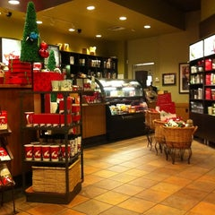 Photo taken at Starbucks by Clifford B. on 12/3/2011