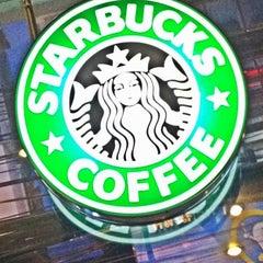 Photo taken at Starbucks (สตาร์บัคส์) by Manfred P. on 3/3/2012