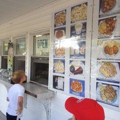 Photo taken at Salty Bay Seafood by Richard M. on 7/5/2012