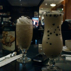 Photo taken at de`EXCELSO by Wahyu W. on 8/21/2012