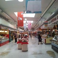 Photo taken at Marheineke Markthalle by Alfredo on 4/19/2012