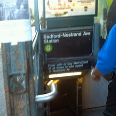 Photo taken at MTA Subway - Bedford/Nostrand Aves (G) by Teebugs H. on 8/23/2011