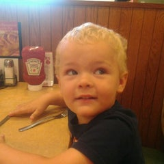 Photo taken at Bob Evans Restaurant by Anthony D. on 8/9/2012