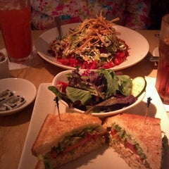 Photo taken at The Cheesecake Factory by Julie C. on 8/2/2012