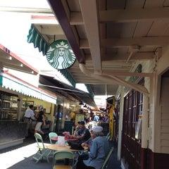 Photo taken at Starbucks by Muay M. on 8/23/2012
