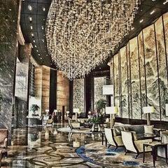 Photo taken at Shangri-la Hotel by Saiwin C. on 8/25/2012