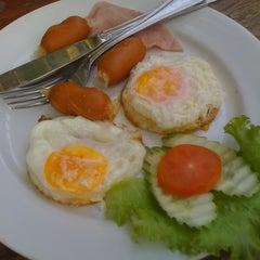 Photo taken at Tak Andaman Hotel & Resort by Jaturong E. on 3/1/2012