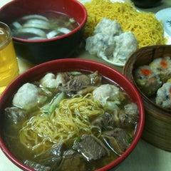 Photo taken at Wai Ying Fastfood (嶸嶸小食館) by Nathan L. on 2/11/2012