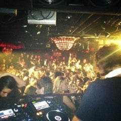 Photo taken at Lavo by Αϋritа ॐ on 10/29/2011
