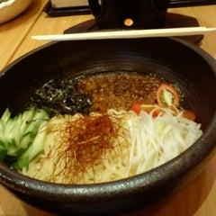 Photo taken at Waraku (วะระคุ) by YokiOoo ™. on 10/1/2011