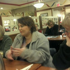 Photo taken at Friendly's by Michelle D. on 11/11/2011
