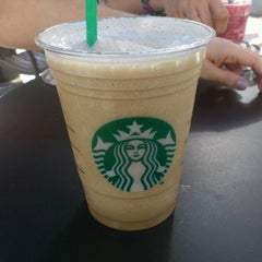 Photo taken at Starbucks Coffee by Santiago V. on 8/28/2011