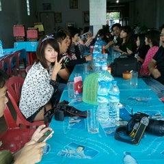 Photo taken at ตลาดทุ่งสมอ by Tuboyd G. on 1/14/2012