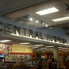 Photo taken at Barnes & Noble Cafe by William M. on 6/12/2012
