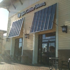 Photo taken at The Coffee Bean & Tea Leaf® by Sonny G. on 1/23/2011