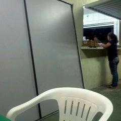 Photo taken at Lanchonete Filho da Fruta by Raul F. on 1/28/2012