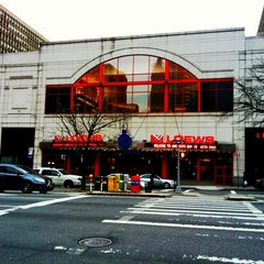 Photo taken at AMC Loews Kips Bay 15 by Jeffrey Z. on 1/14/2012