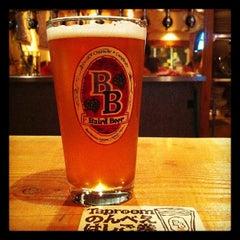 Photo taken at Baird Beer 中目黒タップルーム Nakameguro Taproom by atsushi69 b. on 10/21/2011