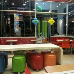 Photo taken at McDonald's by Ricardo H. on 8/24/2012