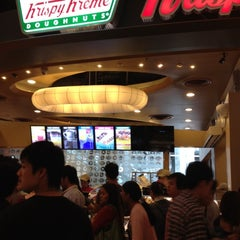 Photo taken at Krispy Kreme (คริสปี้ ครีม) by Noii on 7/15/2012