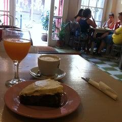 Photo taken at Cafè Camèlia by Dendrita on 7/14/2012