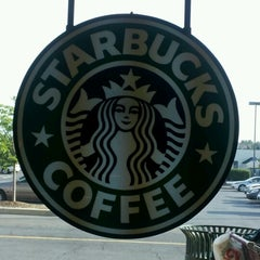 Photo taken at Starbucks by La Vonda D. on 7/11/2012
