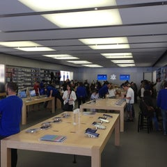 Photo taken at Apple Store, Carlsbad by Daniel M. on 2/22/2012