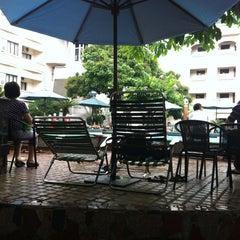 Photo taken at 33 Pham Ngu Lao Swimming Pool by Thiệu B. on 6/2/2012