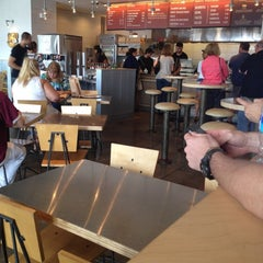 Photo taken at Chipotle Mexican Grill by Liz on 9/7/2012