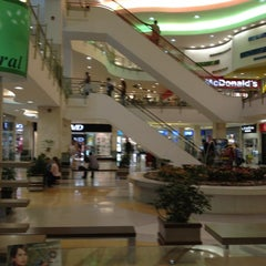 Photo taken at Los Molinos Centro Comercial by Cesar Q. on 2/14/2012