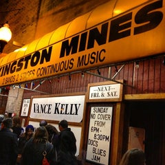 Photo taken at Kingston Mines by Hillel F. on 4/1/2012