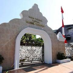 Photo taken at Makam Pangeran Diponegoro by Ikka on 4/8/2012