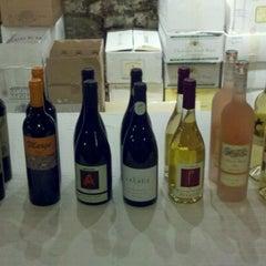 Photo taken at North Loop Wine & Spirits by Mark L. on 8/16/2012