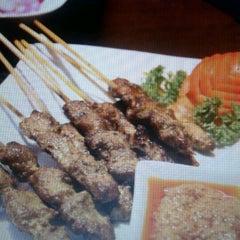 Photo taken at Singapore Food Republic by Ann S. on 3/28/2012