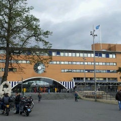Photo taken at Station Hilversum by Iemco K. on 9/14/2011