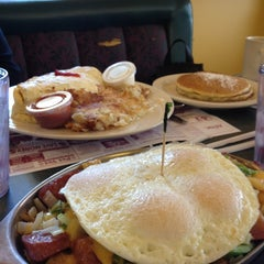 Photo taken at Sophia's House of Pancakes by Steward S. on 11/6/2011