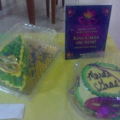 Photo taken at Publix by Misha PinksugarAtlanta S. on 2/11/2012