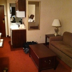 Photo taken at Comfort Suites Scranton Hotel Moosic by William D. on 7/21/2012